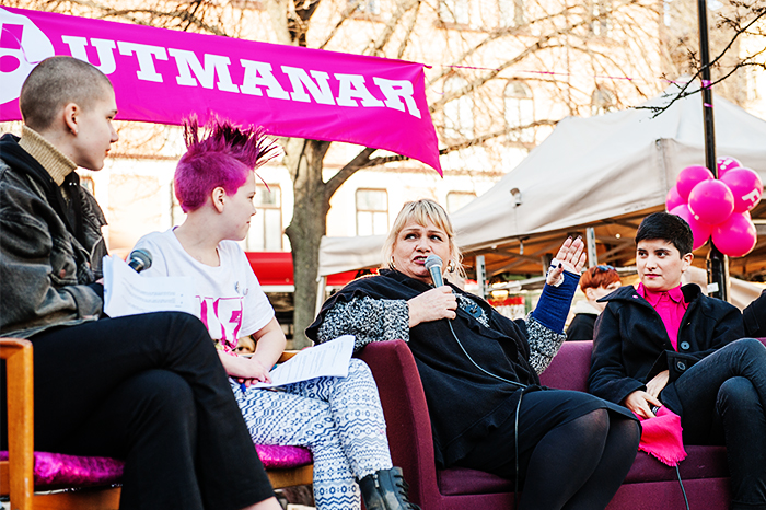 Gripna feminister slappta och tystade